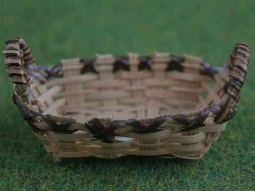 Shallow Two-Tone Basket