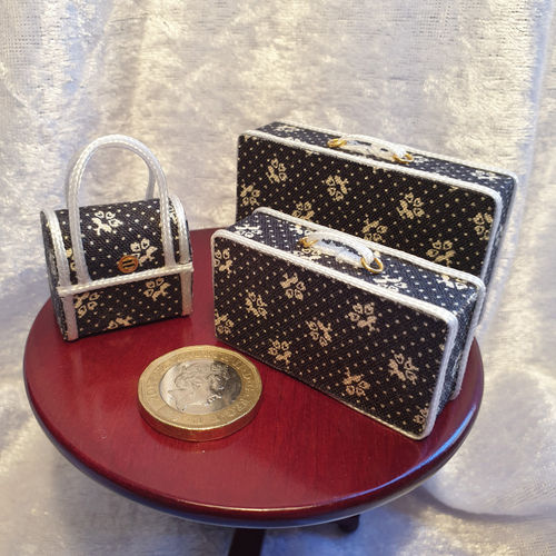 Luggage Set Black & cream 2