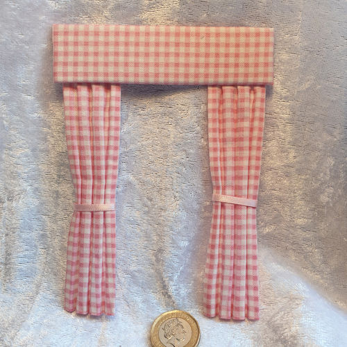 Gingham Curtains pink