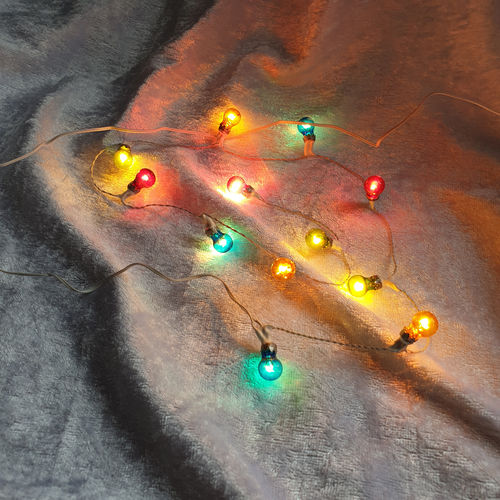 12 bulb loop of Coloured Xmas Lights 2